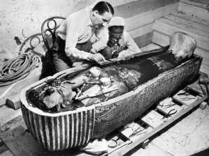 Howard Carter, spn assistant et Toutankhamon