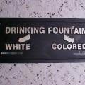 Fontaine pour blancs et hommes de couleur aux USA dans les années 60