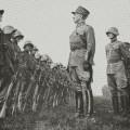 Le Général Guisan inspectant l'armée suisse