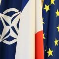 Drapeaux de l'OTAN, de la France et de l'UE