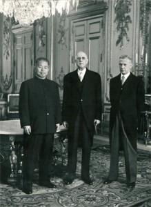 De Gaulle reconnait la Chine populaire