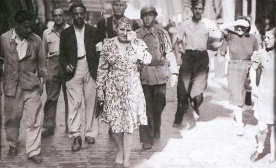 Après la guerre, les français tondent les femmes ayant collaboré à leur façon.