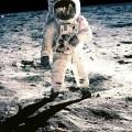 Amstrong, premier homme à marcher sur la Lune