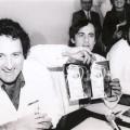 René Frydman, Jacques Testart et Emile Papiernik présentant la photo d'Amandine, le 24 février 1982 à Clamart