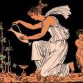 Une femme dans le style de l'antiquité grecque arrose une vigne