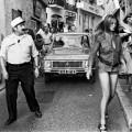 Un gendarme et Bardot à St Tropez