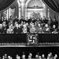 Hitler à l'opéra écoutant du Wagner